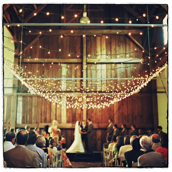 barn wedding onelovephoto