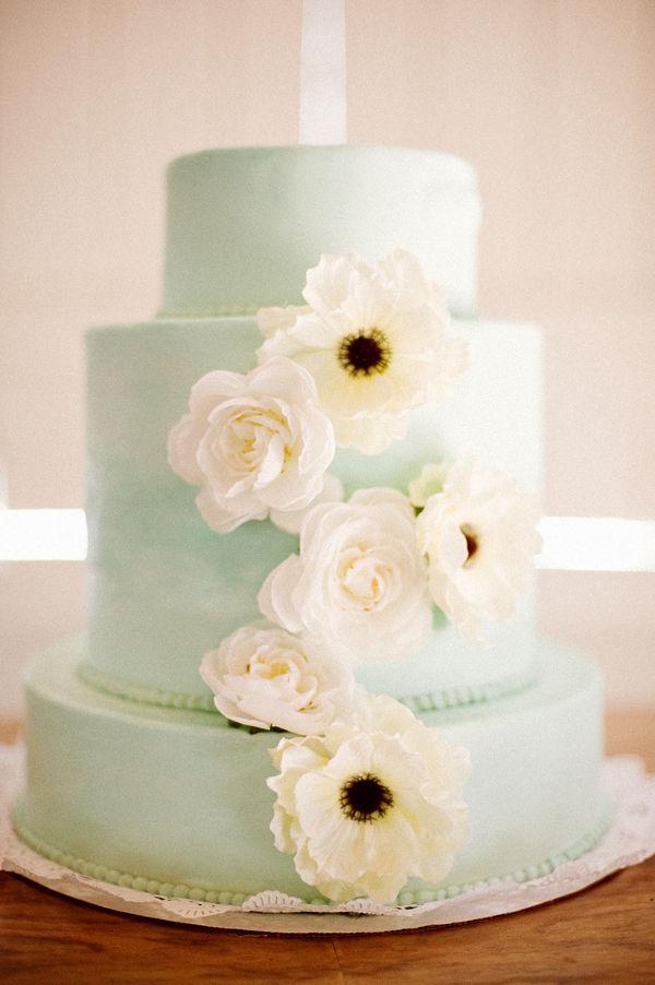 mint-wedding-cake